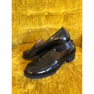 Zara EUC Black Leather Penny Loafer Size 7 (37 EU)
